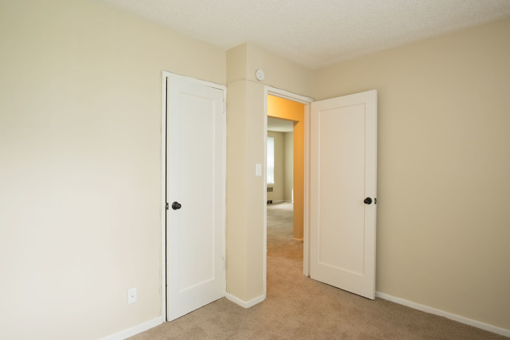 Loudon Arms Apartments offers a bedroom with closet in Albany, NY