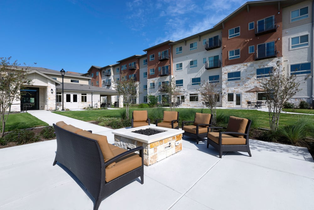Courtyard and fire pit at Affinity at Southpark Meadows