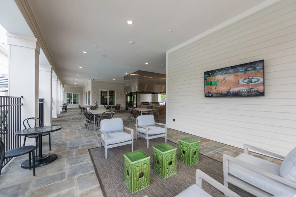Patio area at Silver Collection at Carl D. Silver Parkway in Fredericksburg, Virginia