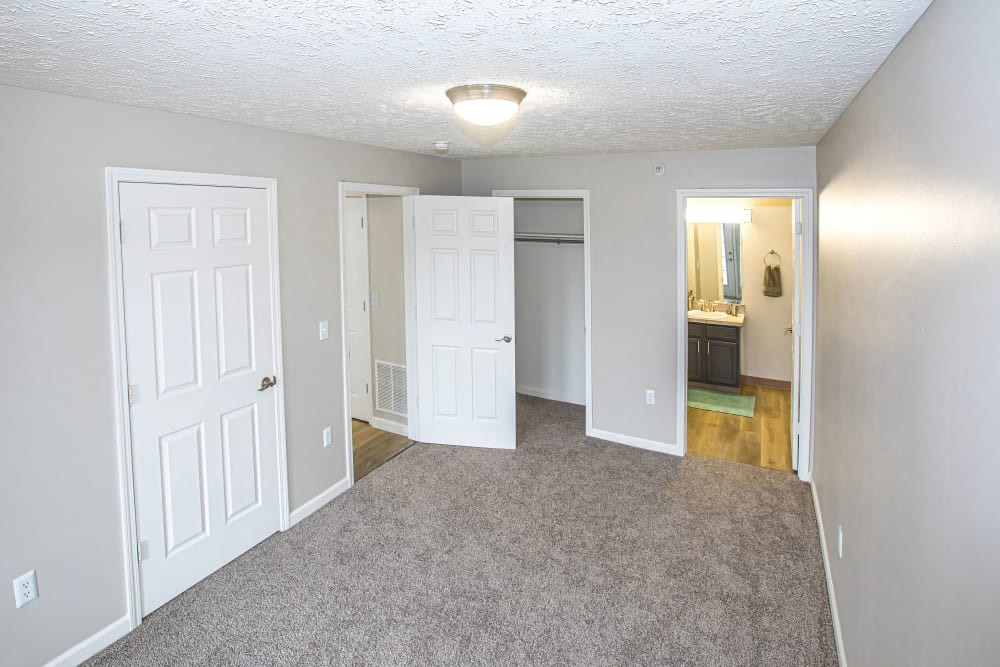 A large master bedroom at Silver Lake Hills in Fenton, Michigan