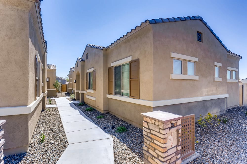 Side view of apartment home at Avilla Camelback Ranch in Phoenix AZ