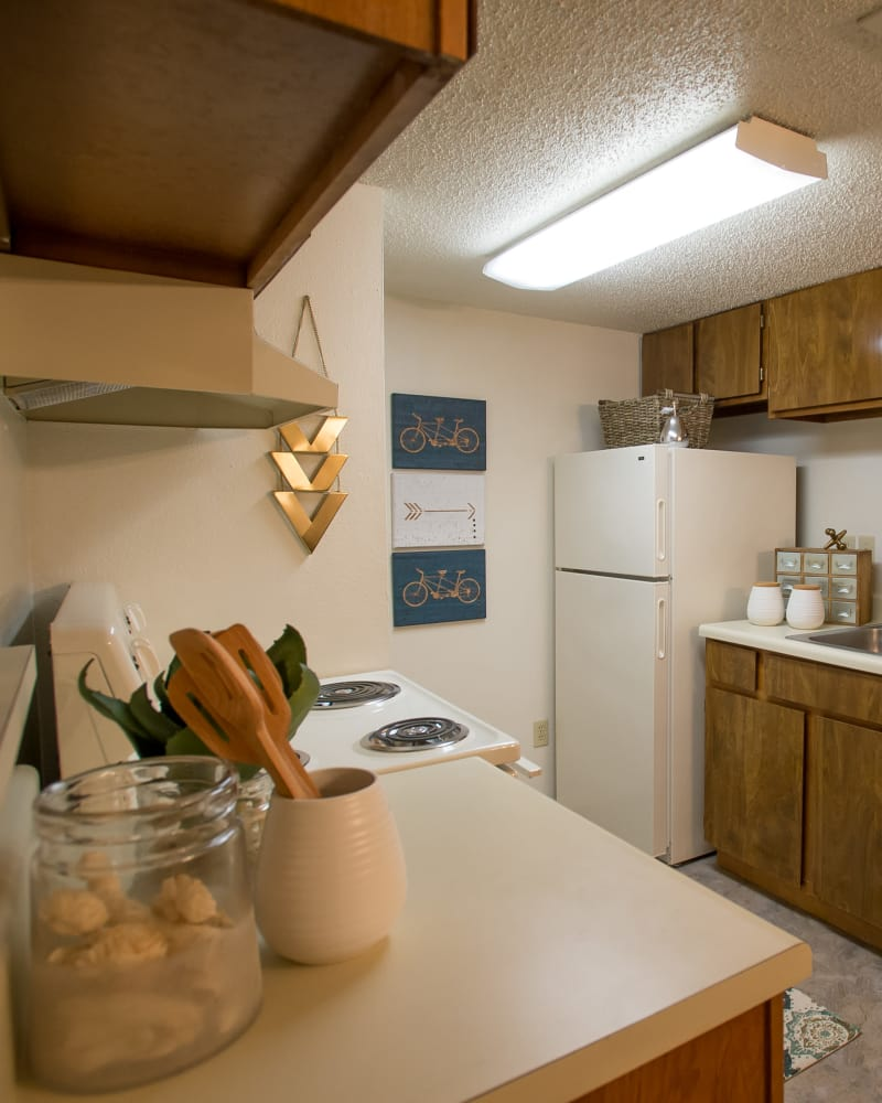 Bright kitchen at Cimarron Pointe Apartments in Oklahoma City, Oklahoma