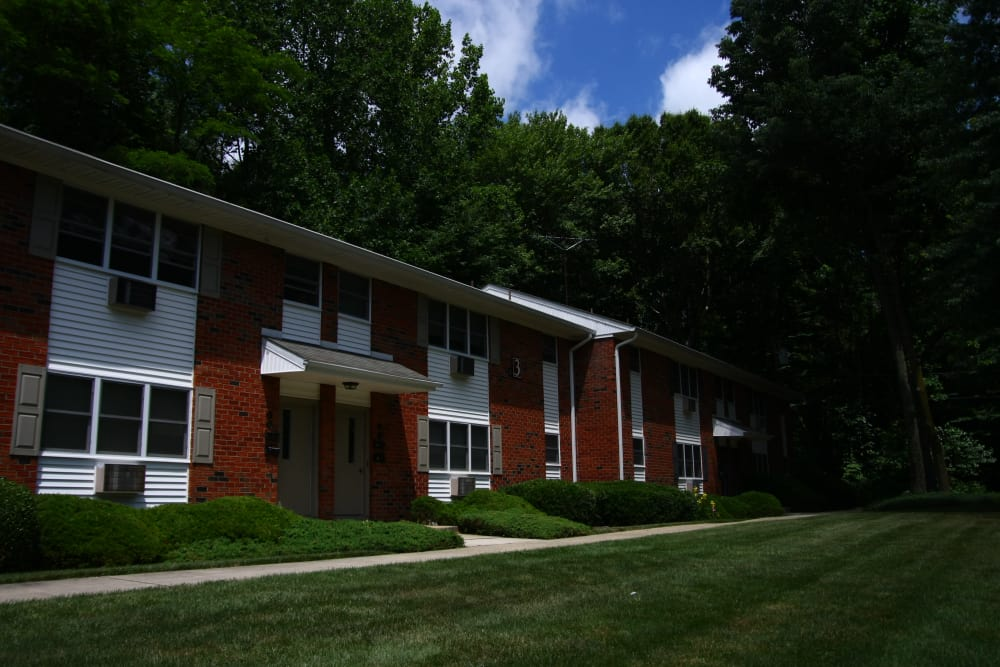 Exterior view of resident building at Pointe Breeze Apartments