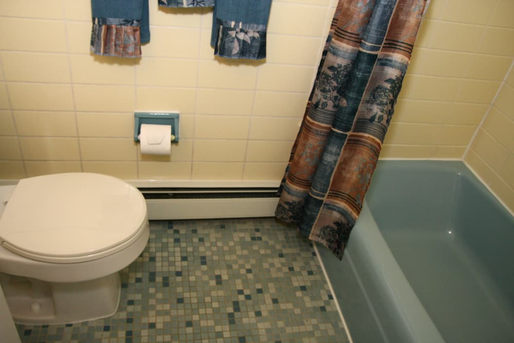 Enjoy apartments with a modern bathroom at Pointe Breeze Apartments
