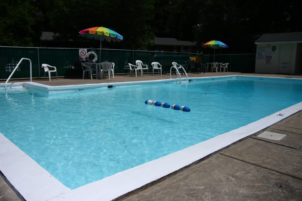 Another view of the pool area at Pointe Breeze Apartments