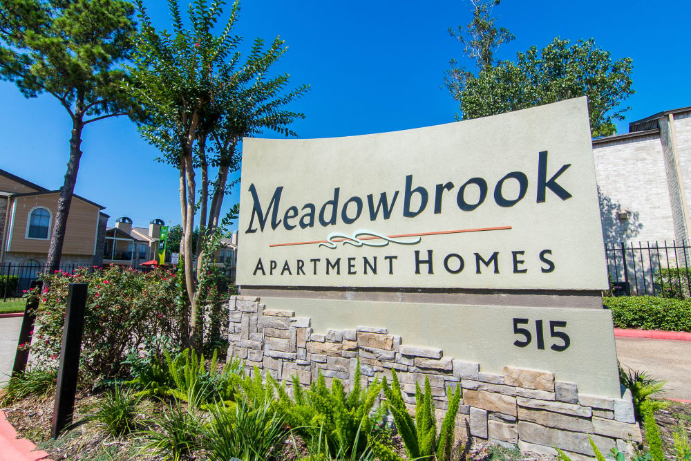 Meadowbrook Apartments monument sign