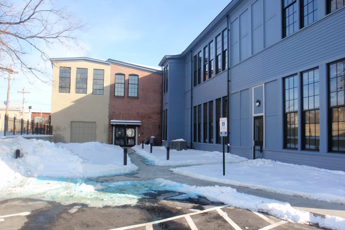 View our Westfield Commons property near West Elmwood Apartments in Providence, Rhode Island