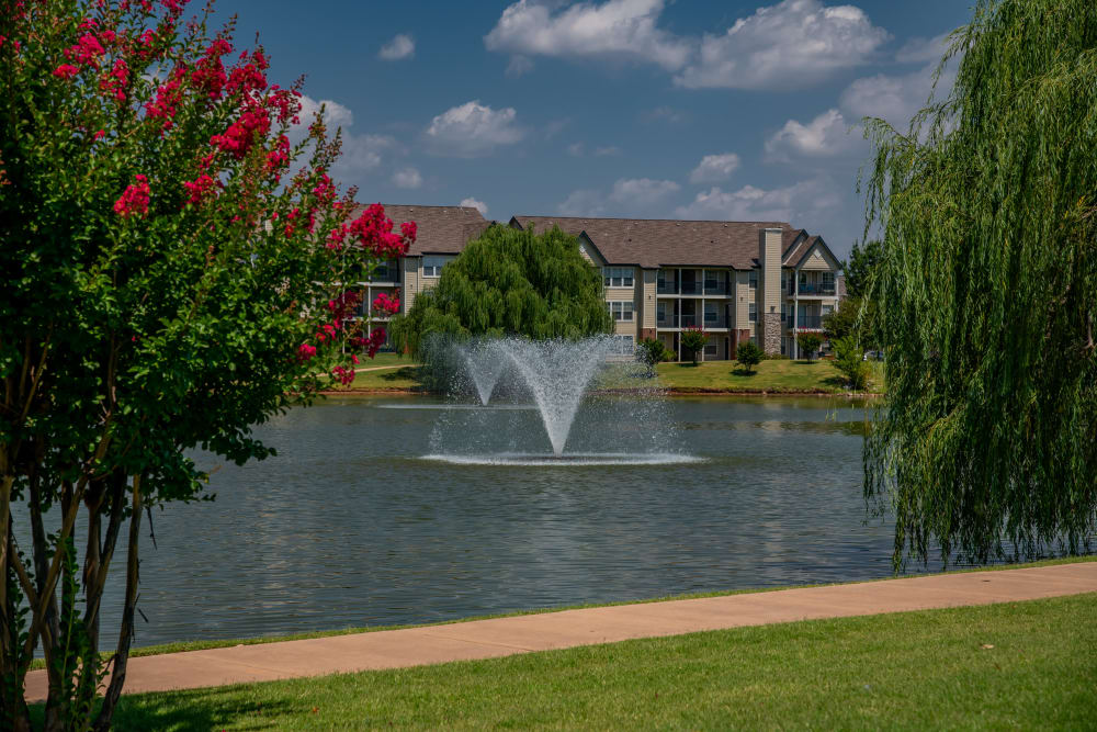 Beautiful pond with fountain at Villas at Stonebridge in Edmond, Oklahoma