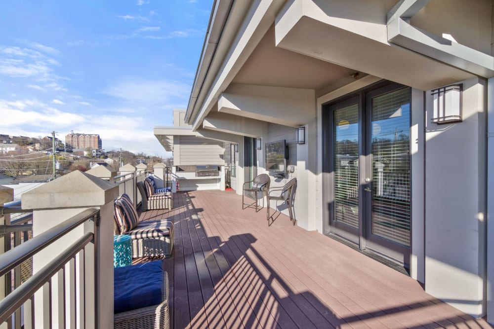 Community balcony at 12 South Apartments in Nashville, Tennessee
