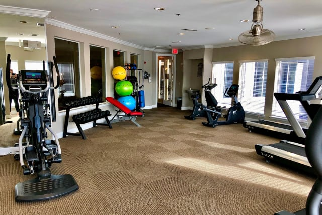 Free weights at The Abbey on Lake Wyndemere in The Woodlands, TX