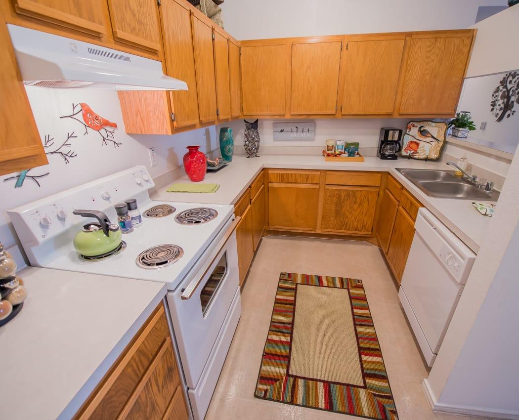 Modern kitchen at The Pointe of Ridgeland in Ridgeland, Mississippi