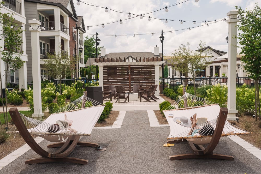 Outdoor Lounge at Springfield Apartments | Apartments in Murfreesboro, TN