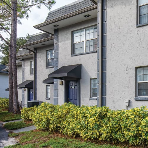 Front entrance to the homes at Southern Cove Apartments in Temple Terrace, Florida