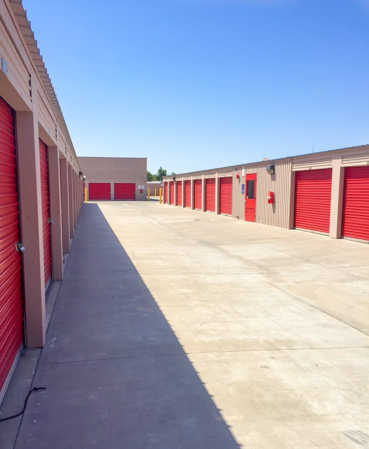 The exterior units at StorQuest Self Storage in Dallas, Texas