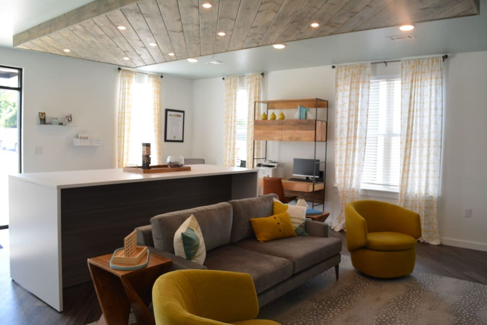 A community lounge with comfortable seating at Pure St. Peters in Saint Peters, Missouri