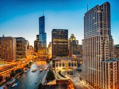 Great neighborhood at 7100 South Shore Apartment Homes in Chicago, Illinois