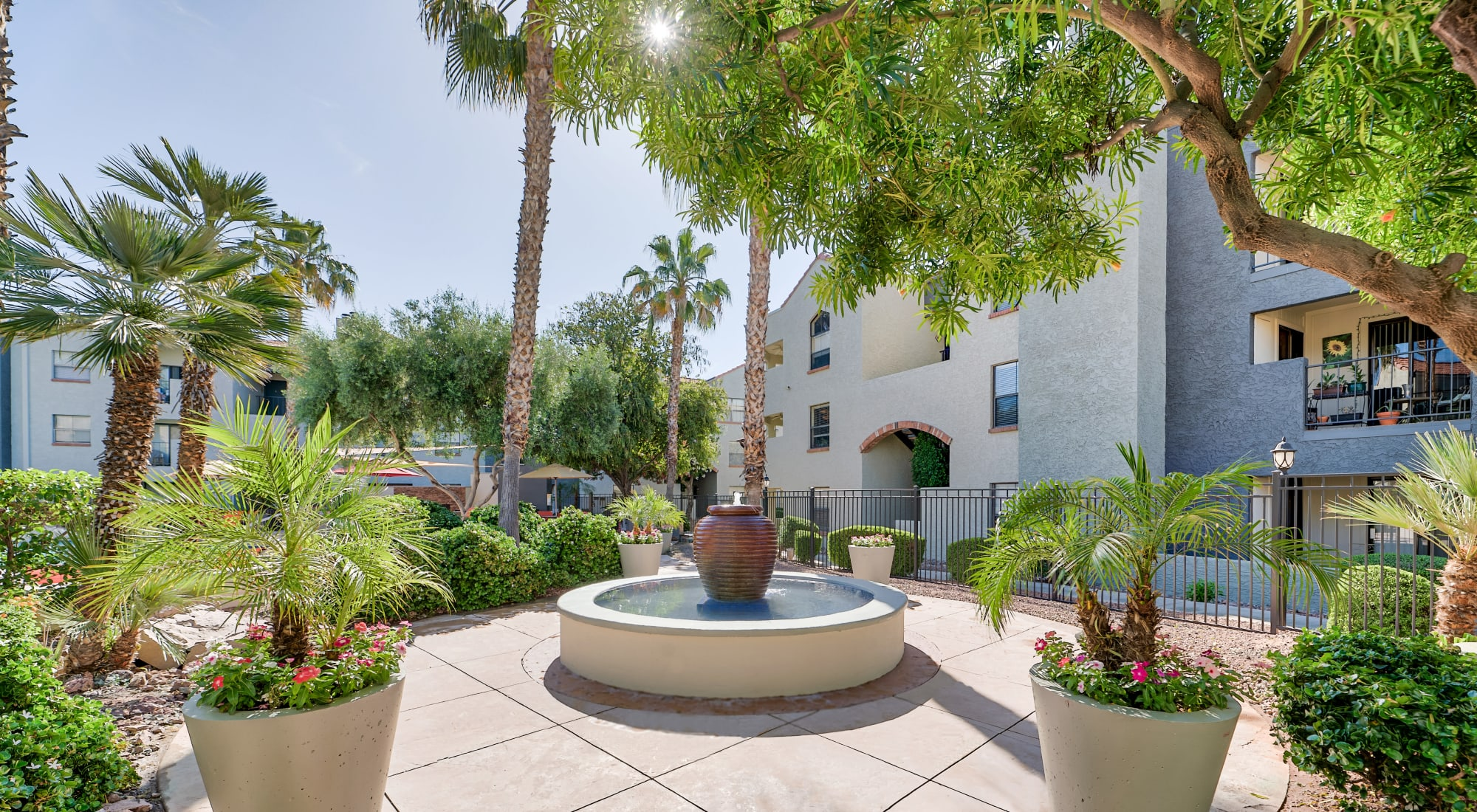 Greenspoint at Paradise Valley apartments in Phoenix, AZ