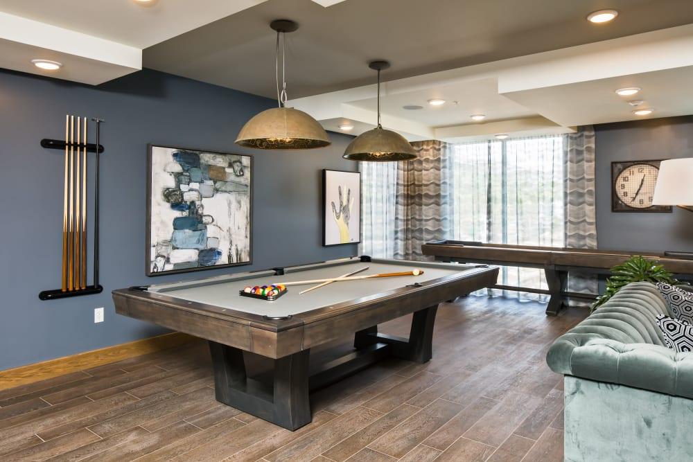 Billiards table in Linden Audubon Park's clubhouse in Orlando, Florida