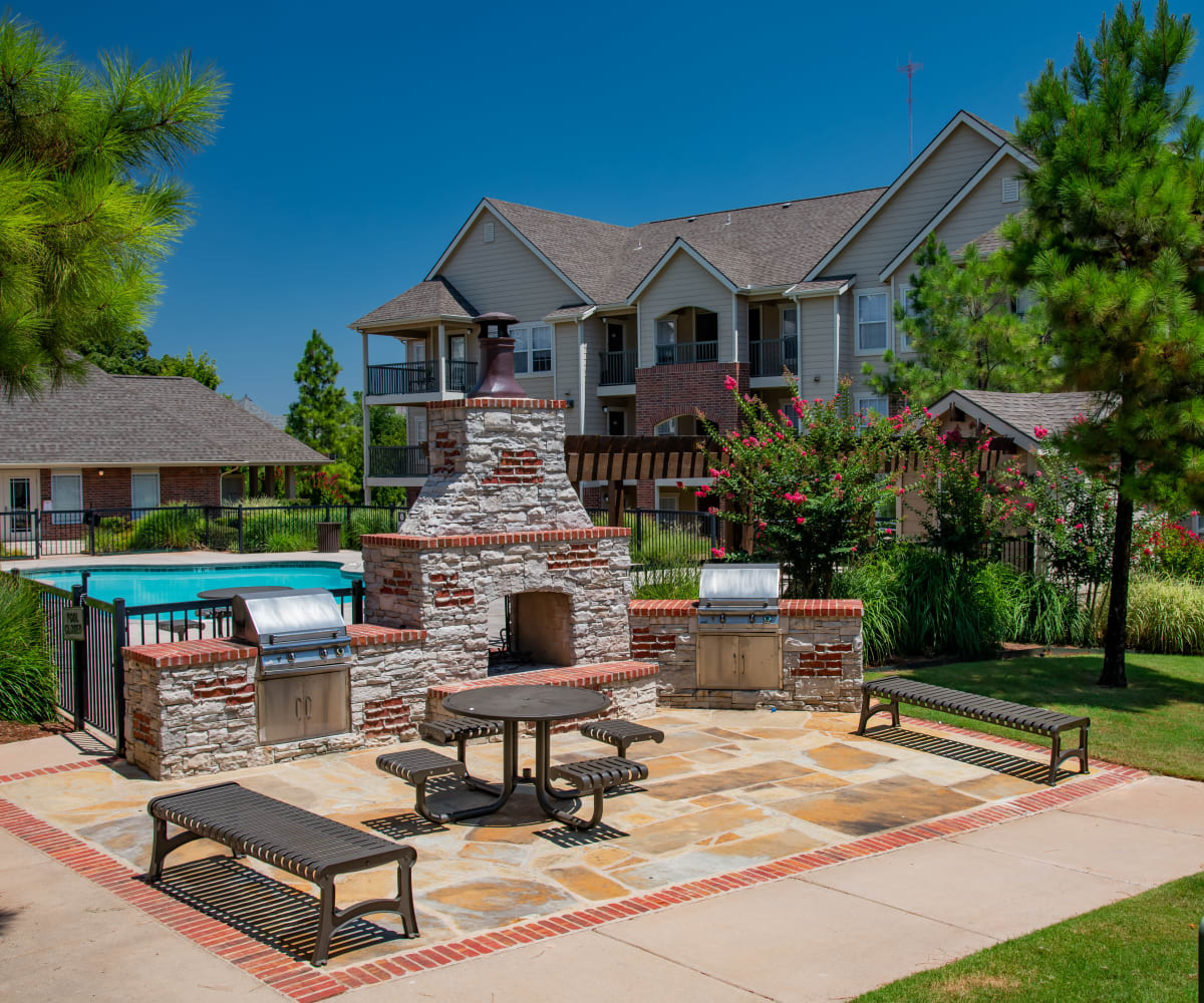 Outdoor grill & chill area at Fountain Lake in Edmond, Oklahoma