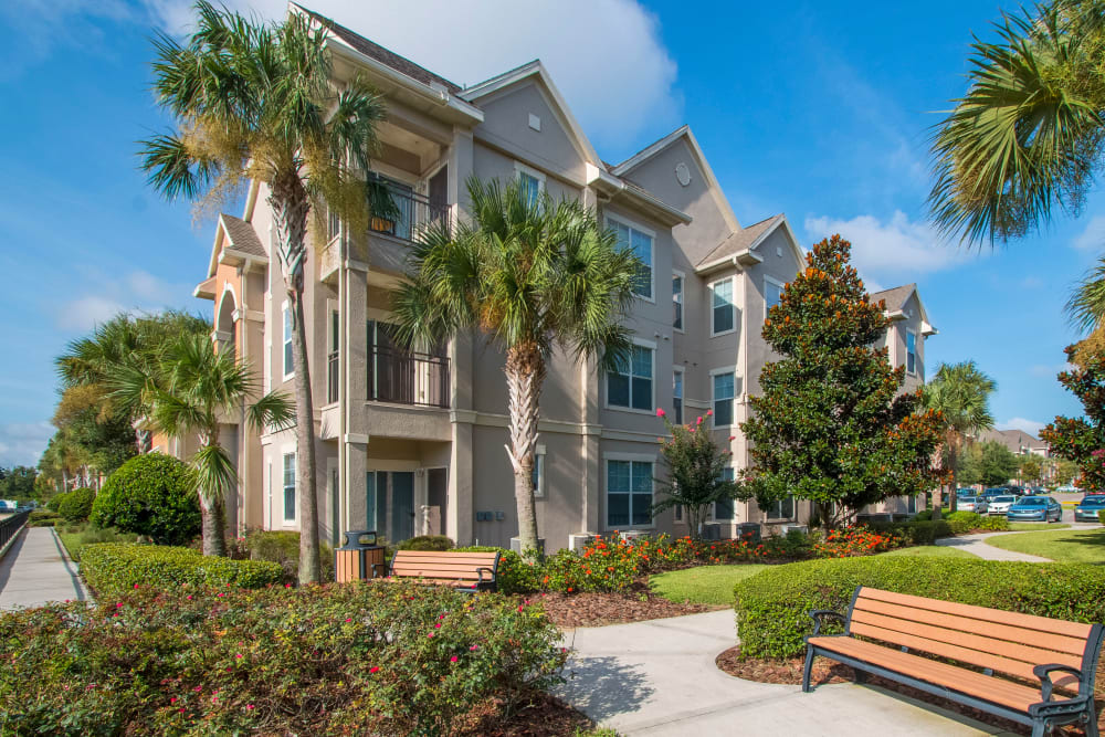Private patios and balconies at Landings at Four Corners in Davenport, Florida