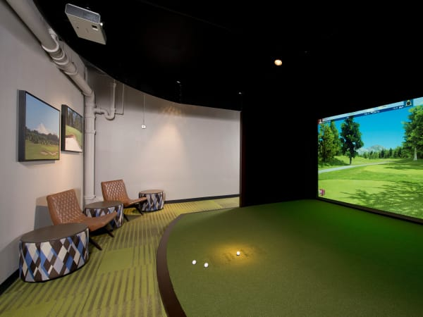 Virtual golfing at Harrison Tower in Portland, Oregon
