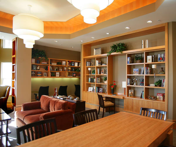Bright library for residents at All Seasons of Rochester Hills in Rochester Hills, Michigan