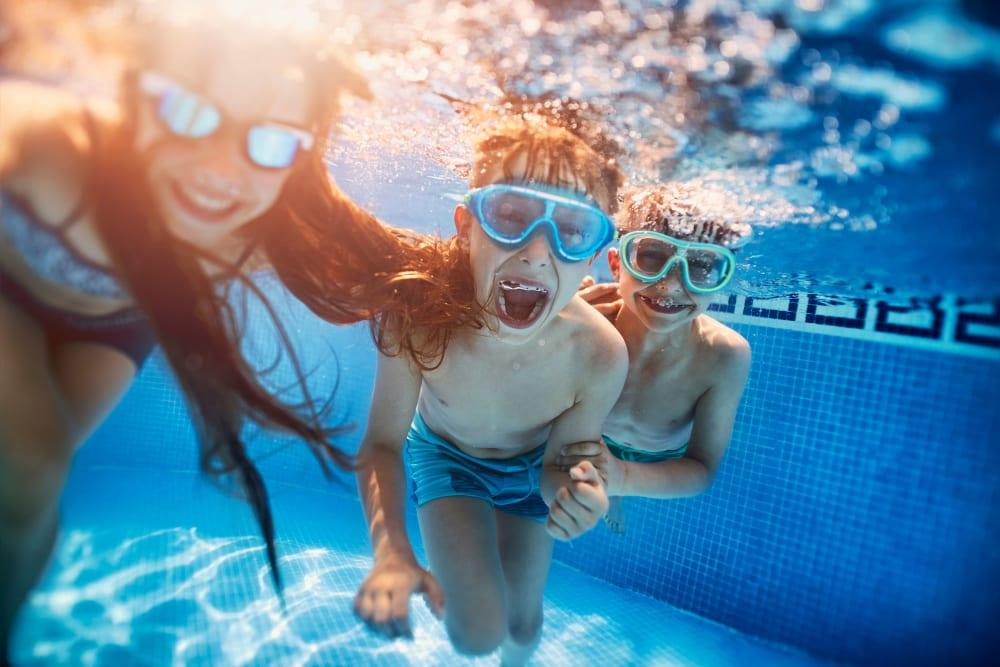 Sparkling swimming pool alt Eighteen51 Brinker in Denton, Texas