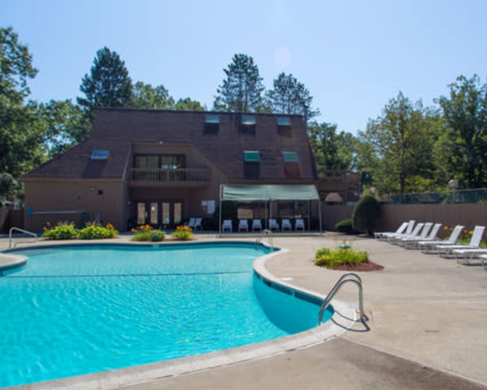 Sparkling swimming pool at London Court Apartments in Merrimack, New Hampshire