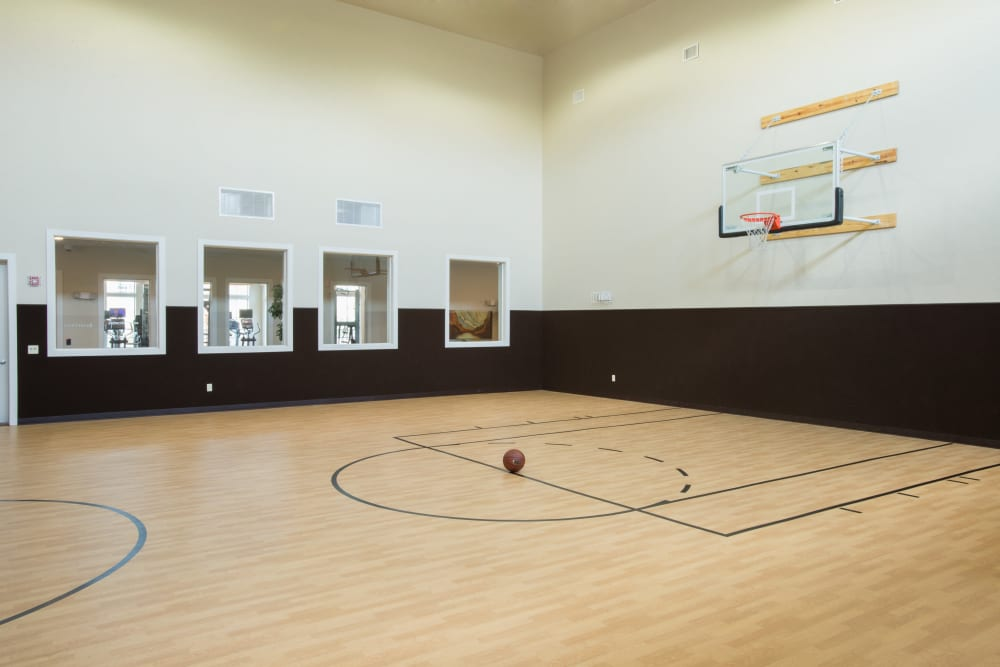 Enjoy Apartments with a Basketball Court at Villas in Westover Hills