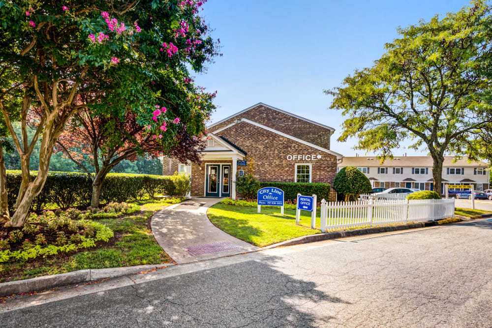 A beautifully manicured landscaping at City Line Apartments in Newport News, Virginia