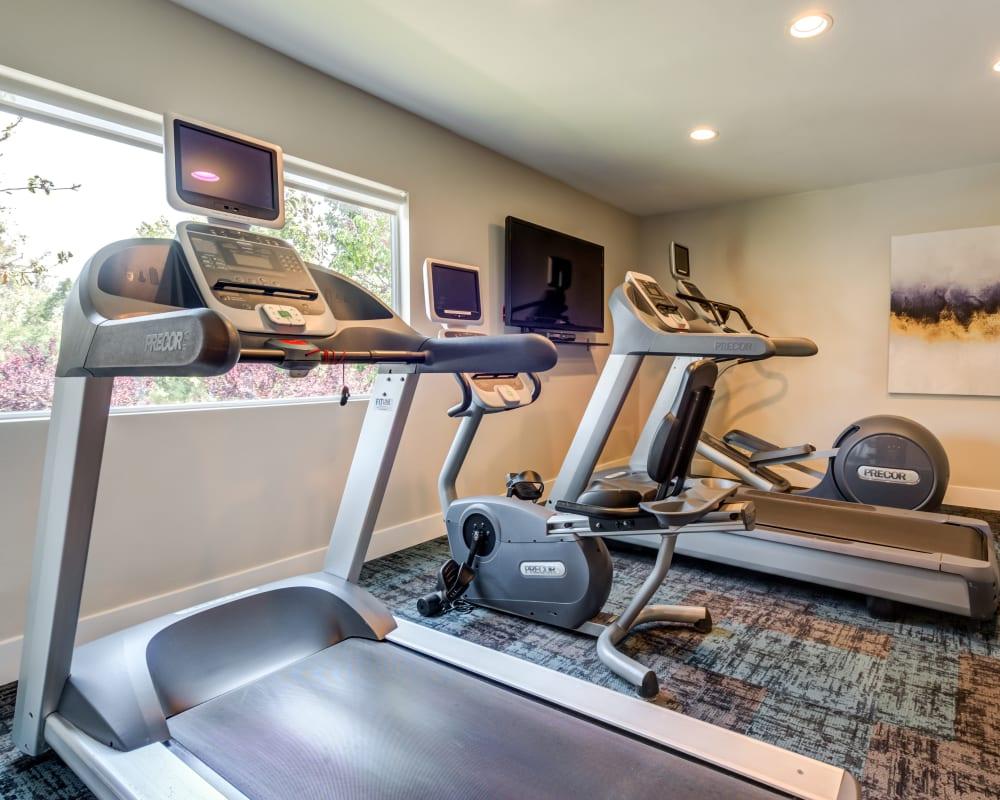 Onsite fitness center at Sofi Thousand Oaks in Thousand Oaks, California