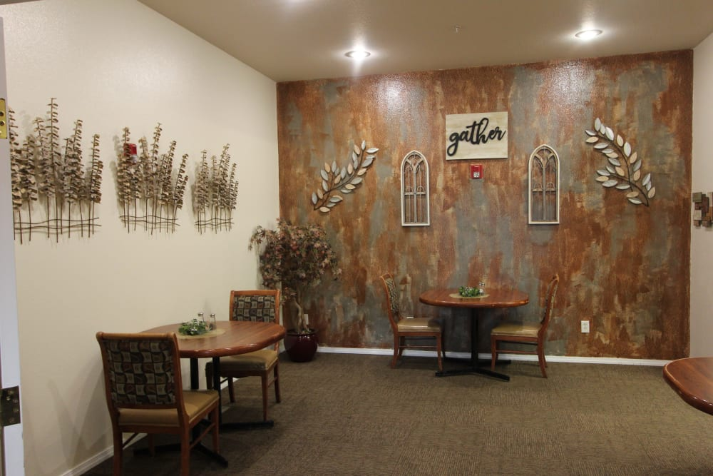 Dining Room Accent Wall At The Willows Retirement & Assisted Living in Blackfoot.