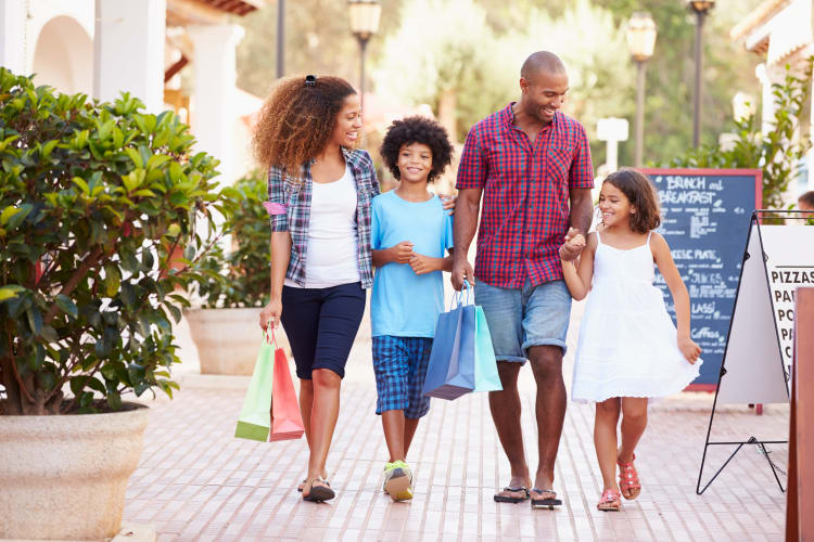 Resident family shopping near Summerchase at Riverchase in Hoover, Alabama
