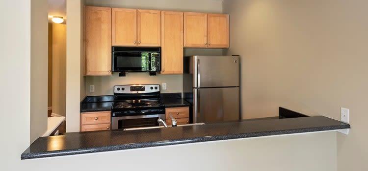 Modern kitchen at Worthington Luxury Apartments in Charlotte, North Carolina