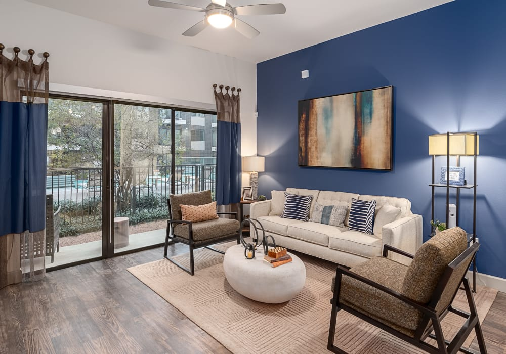 Axis 3700 showcase a modern and furnished living room in Plano, Texas