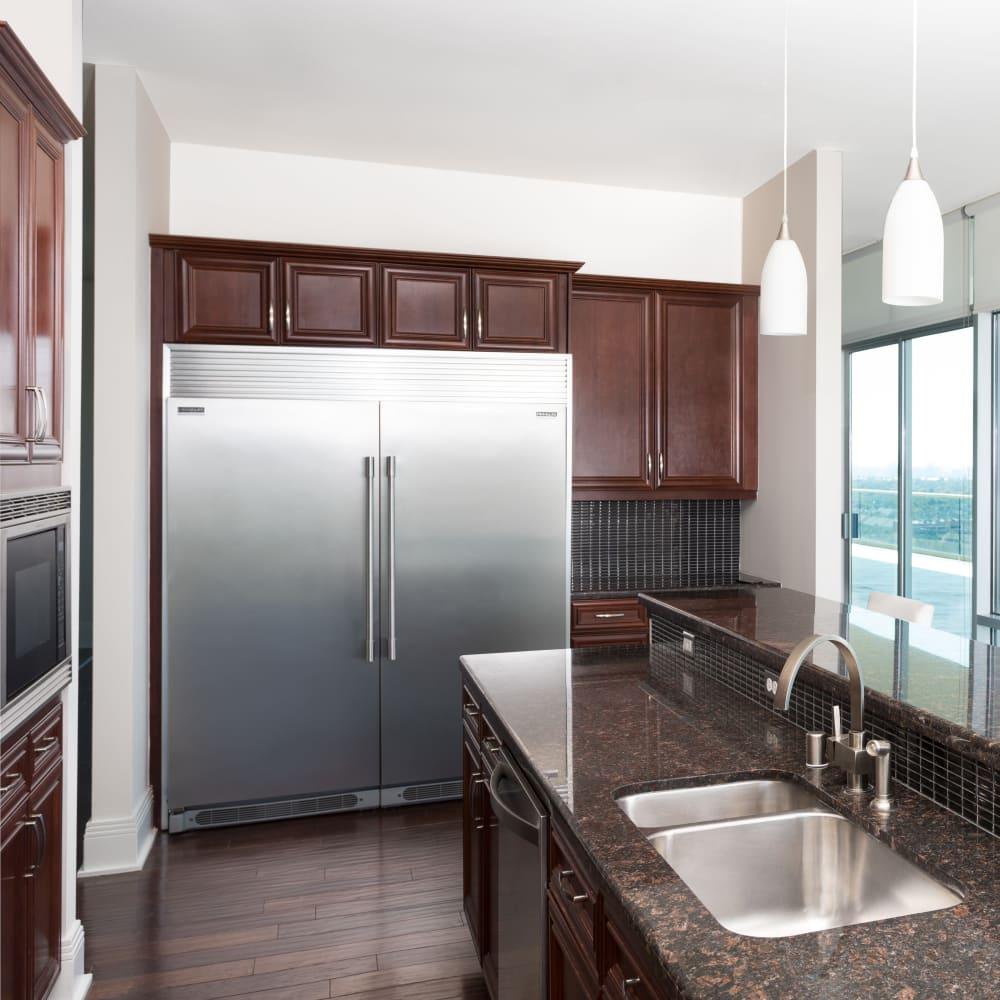 Studio, 1, 2 & 3 Bedroom Luxury Apartments in North Dallas