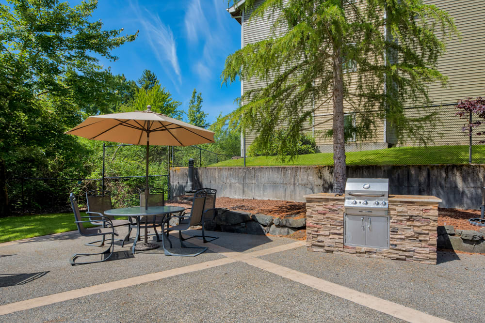 BBQ and Picnic area at  Aravia Apartments in Tacoma, Washington