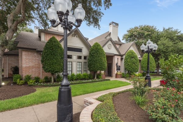 View exterior gallery at Greenbriar Park in Houston, Texas