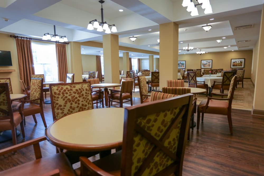Dining room tables at Harmony at West Shore in Mechanicsburg, Pennsylvania