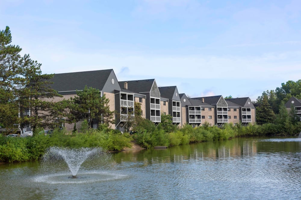 Kellogg Cove Apartments in Kentwood, Michigan outside pond
