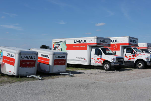 Family using a moving truck from Midgard Self Storage in Jackson, Tennessee