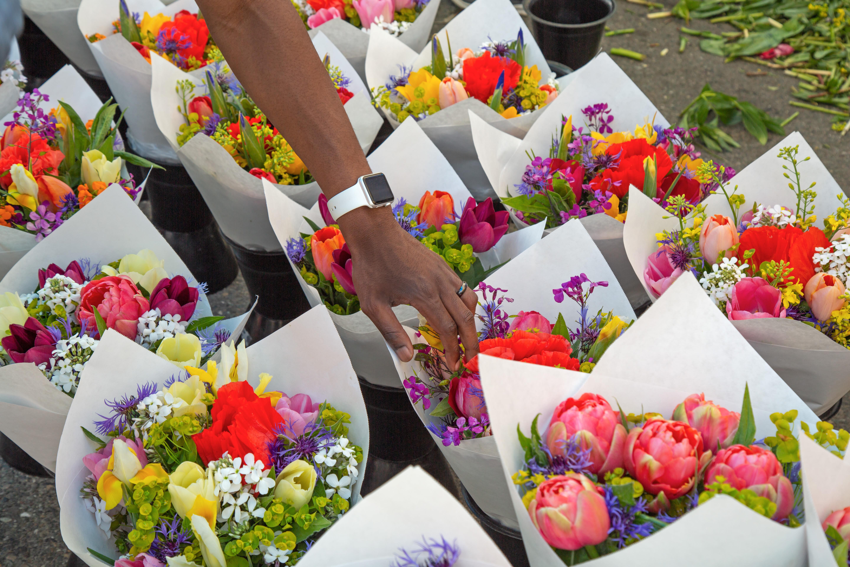 Flower shop nearby Windsor Senior Living in Dallas, Texas