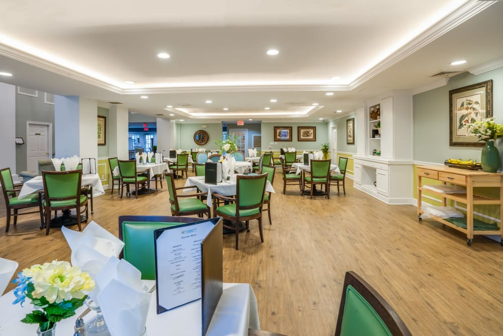 Enjoy great food in the dining room at St. Augustine Plantation in Tallahassee, Florida