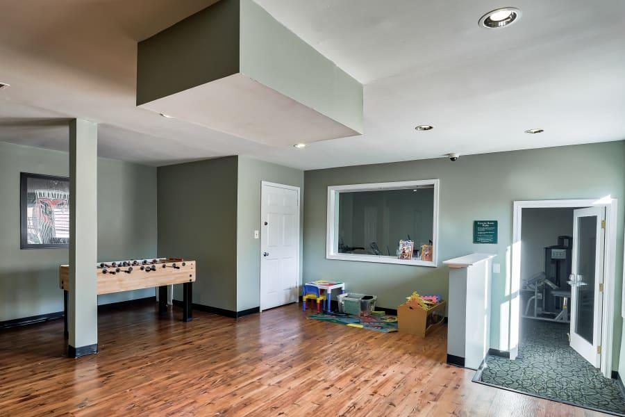Game room at Abbotts Run Apartments in Alexandria, Virginia.