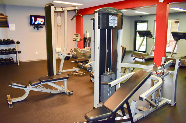 Fitness center at Summerfield Apartment Homes in Harvey, Louisiana