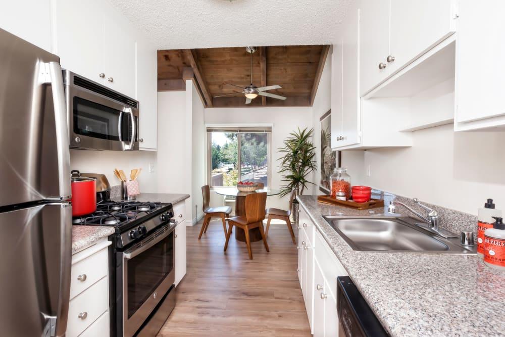Apartment amenities at Glenbrook Apartments in Cupertino, California