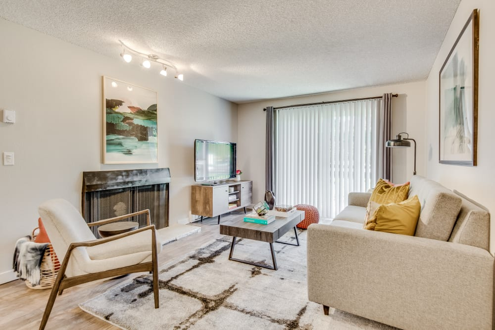 Beautiful Living Room at Copperstone Apartment Homes in Everett, Washington