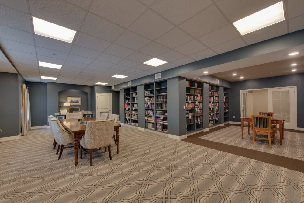 Seating in the library at Harmony at Harbour View in Suffolk, Virginia