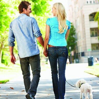 Residents walking around in Charlotte, North Carolina near Worthington Luxury Apartments