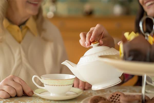 Residents enjoying tea at Touchmark at Fairway Village in Vancouver, Washington